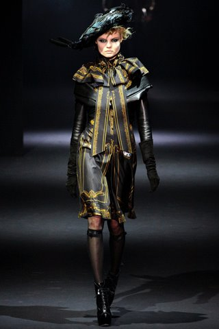 images/cast/10150566171692035=my job on fabrics x=john galliano Fall 2012 paris show